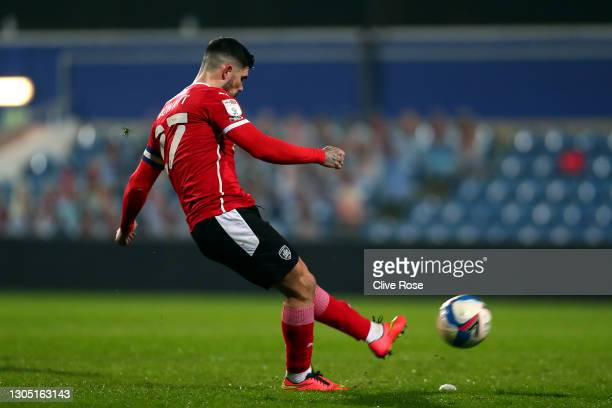 Alex Mowatt of Barnsley scores their sides second goal during the Sky Bet Championship match between Queens Park Rangers and Barnsley at The Kiyan...