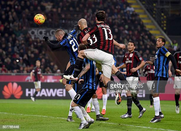 Alex of AC Milan scores the opening goal during the Serie A match between AC Milan and FC Internazionale Milano at Stadio Giuseppe Meazza on January...