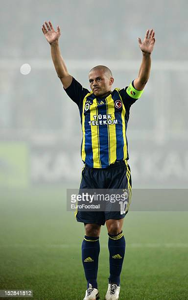 Alex of Fenerbahce SK in action during the UEFA Europa League group stage match between Fenerbahce SK and Olympique de Marseille on September 20,...