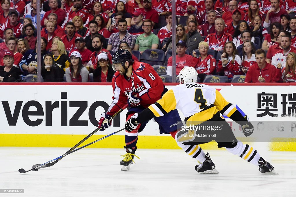 Pittsburgh Penguins v Washington Capitals - Game Two : News Photo