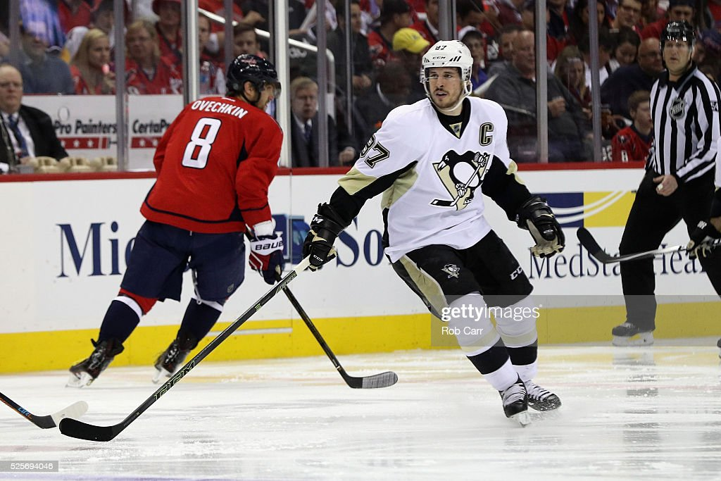 Pittsburgh Penguins v Washington Capitals - Game One : News Photo