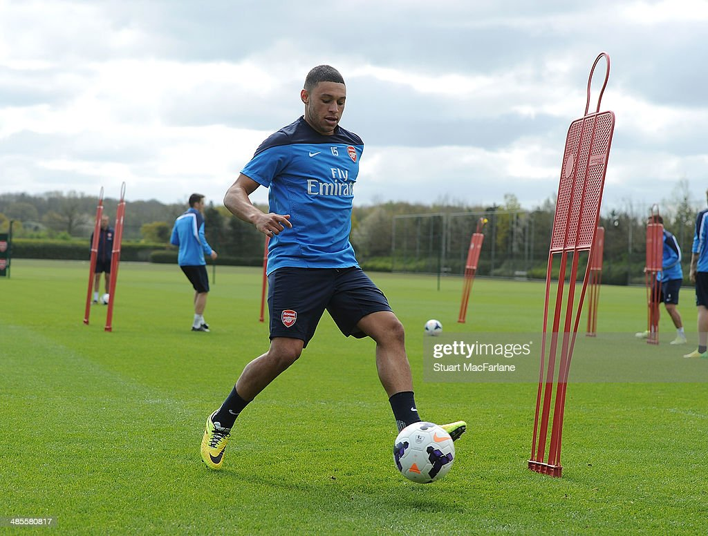Arsenal FC Training Session : News Photo
