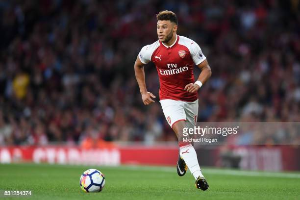 Alex OxladeChamberlain of Arsenal in action during the Premier League match between Arsenal and Leicester City at Emirates Stadium on August 11 2017...