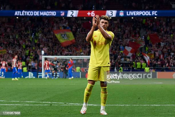Alex Oxlade-Chamberlain of Liverpool celebrates victory after the UEFA Champions League group B match between Atletico Madrid and Liverpool FC at...