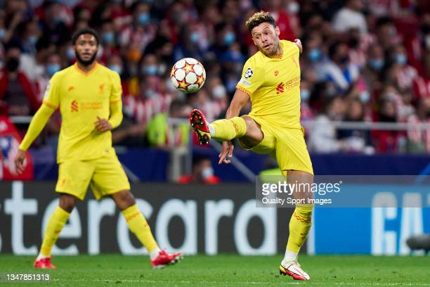 Alex Oxlade-Chamberlain of Liverpool FC in action during the UEFA Champions League group B match between Atletico Madrid and Liverpool FC at Wanda...