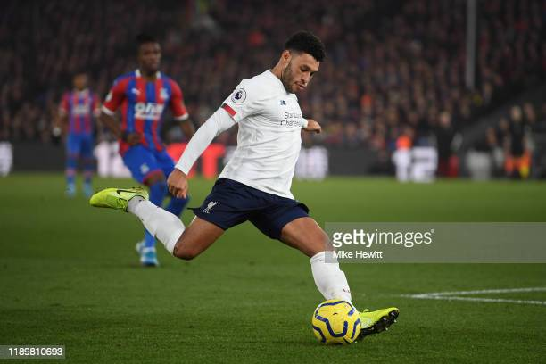 Alex OxladeChamberlain of Liverpool in action during the Premier League match between Crystal Palace and Liverpool FC at Selhurst Park on November 23...
