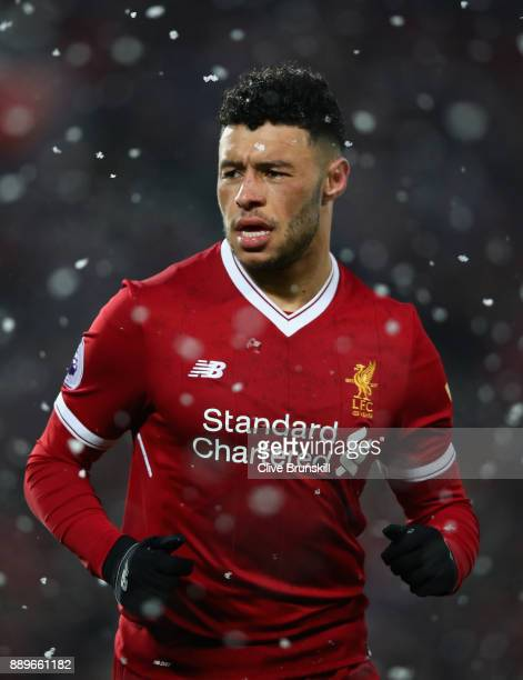 Alex OxladeChamberlain of Liverpool in action during the Premier League match between Liverpool and Everton at Anfield on December 10 2017 in...