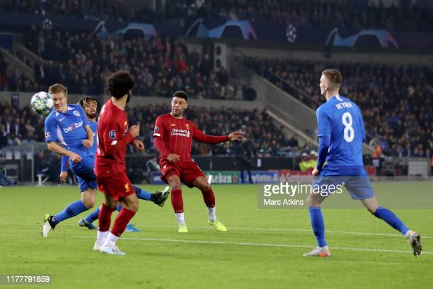 Alex OxladeChamberlain of Liverpool scores his 2nd goal during the UEFA Champions League group E match between KRC Genk and Liverpool FC at Luminus...