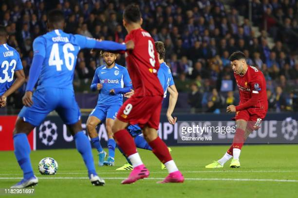 Alex OxladeChamberlain of Liverpool scores his team's first goal during the UEFA Champions League group E match between KRC Genk and Liverpool FC at...