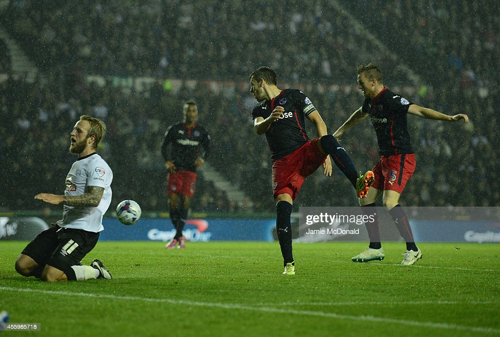 Derby County v Reading - Capital One Cup Third Round : News Photo