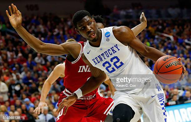 Alex Poythress of the Kentucky Wildcats drives against OG Anunoby of the Indiana Hoosiers in the first half during the second round of the 2016 NCAA...