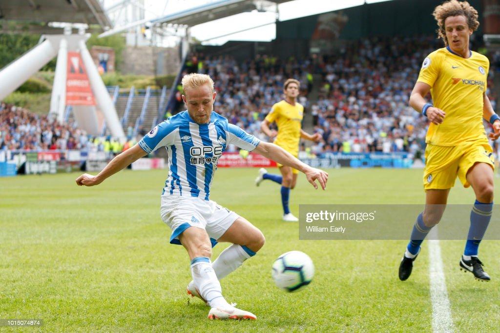 Huddersfield Town v Chelsea FC - Premier League : News Photo