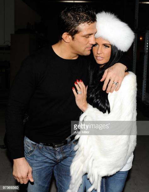 Las Vegas February 04 Alex Reid And Katie Price Are Seen With Wedding Rings On