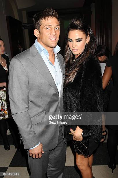 Alex Reid and Katie Price attend the Keep A Child Alive Black Ball at held at St John's, Smith Square on May 27, 2010 in London, England.