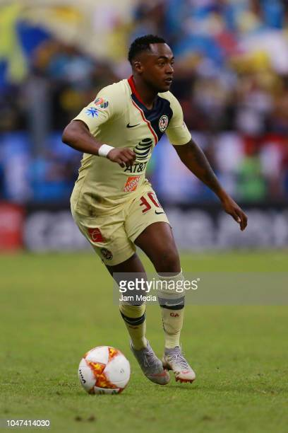 Alex Renato Ibarra of America drives the ball during the 11th round match between America and Chivas as part of the Torneo Apertura 2018 Liga MX at...