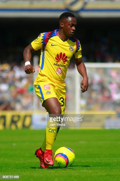 Alex Renato Ibarra of America drives the ball during the third round match between Pumas UNAM and America as part of Torneo Clausura 2018 Liga MX at...