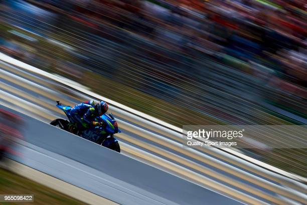 Alex Rins of Spain and Team Suzuki Ecstar rounds the bend during the qualifying practice during the MotoGp of Spain at Circuito de Jerez Angel Nieto...