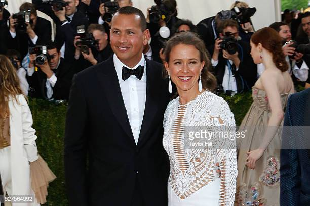 Alex Rodriguez and Anne Wojcicki attend Manus x Machina Fashion in an Age of Technology the 2016 Costume Institute Gala at the Metropolitan Museum of...