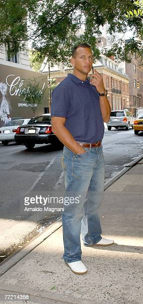 Alex Rodriguez is joined by friends for lunch on October 6 2007 in New York City