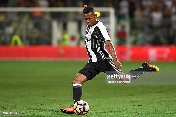 Alex Sandro of FC Juventus in action during the PreSeason Friendly match between FC Juventus and Espanyol at Alberto Braglia Stadium on August 13...
