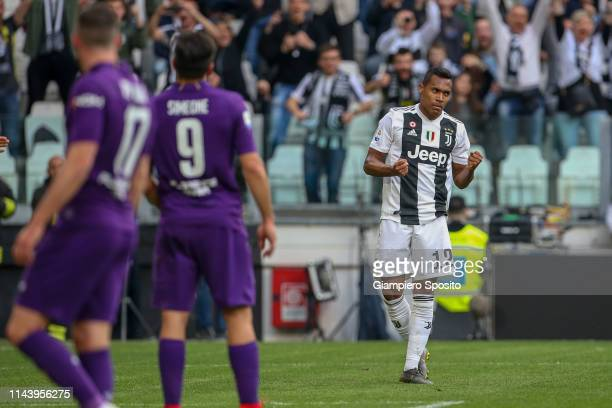 Alex Sandro of Juventus celebrates after scoring the equalizer during the Serie A match between Juventus and ACF Fiorentina on April 20 2019 in Turin...