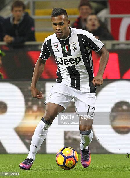 Alex Sandro of Juventus FC in action during the Serie A match between AC Milan and Juventus FC at Stadio Giuseppe Meazza on October 22 2016 in Milan...