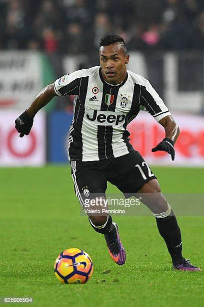 Alex Sandro of Juventus FC in action during the Serie A match between Juventus FC and Pescara Calcio at Juventus Stadium on November 19 2016 in Turin...