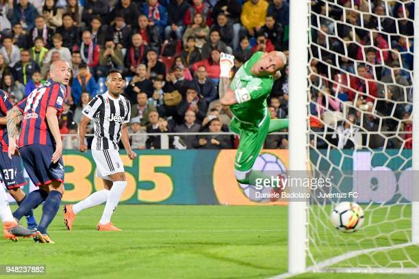 Alex Sandro of Juventus scores 01 goal during the serie A match between FC Crotone and Juventus at Stadio Comunale Ezio Scida on April 18 2018 in...