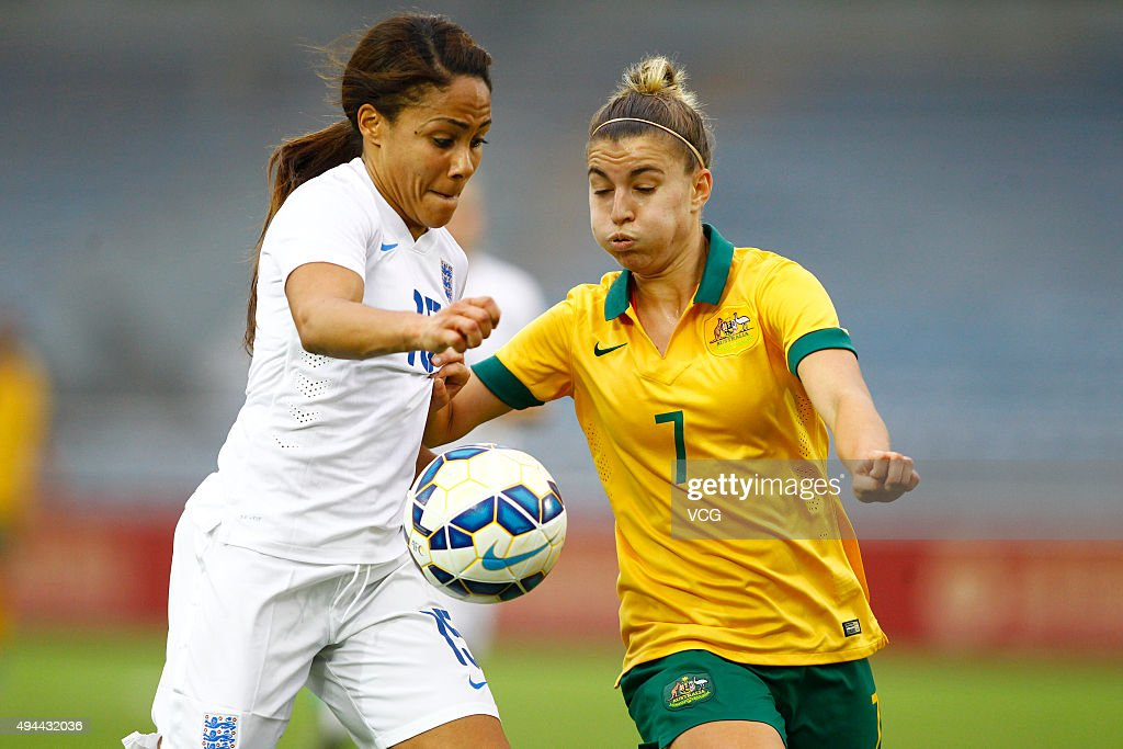 England v Australia - 2015 Yongchuan Women's Football International Matches : News Photo