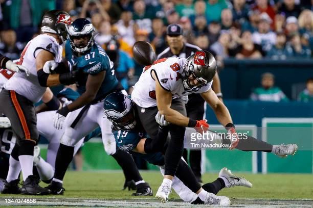 Alex Singleton of the Philadelphia Eagles breaks a pass intended for Cameron Brate of the Tampa Bay Buccaneers at Lincoln Financial Field on October...
