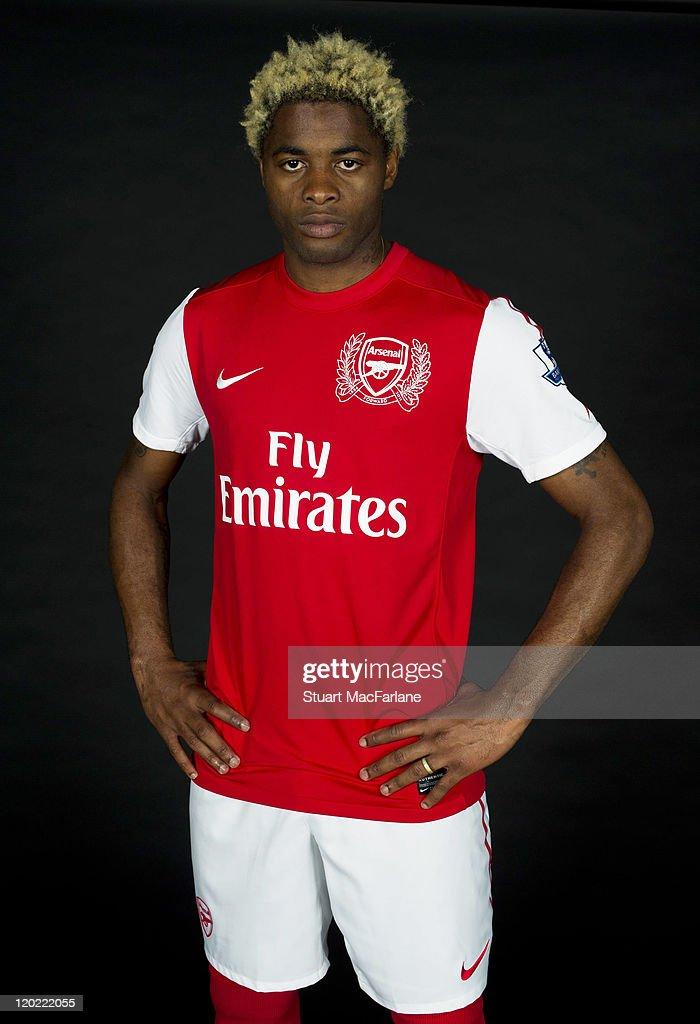 Arsenal Home Kit Photo Shoot