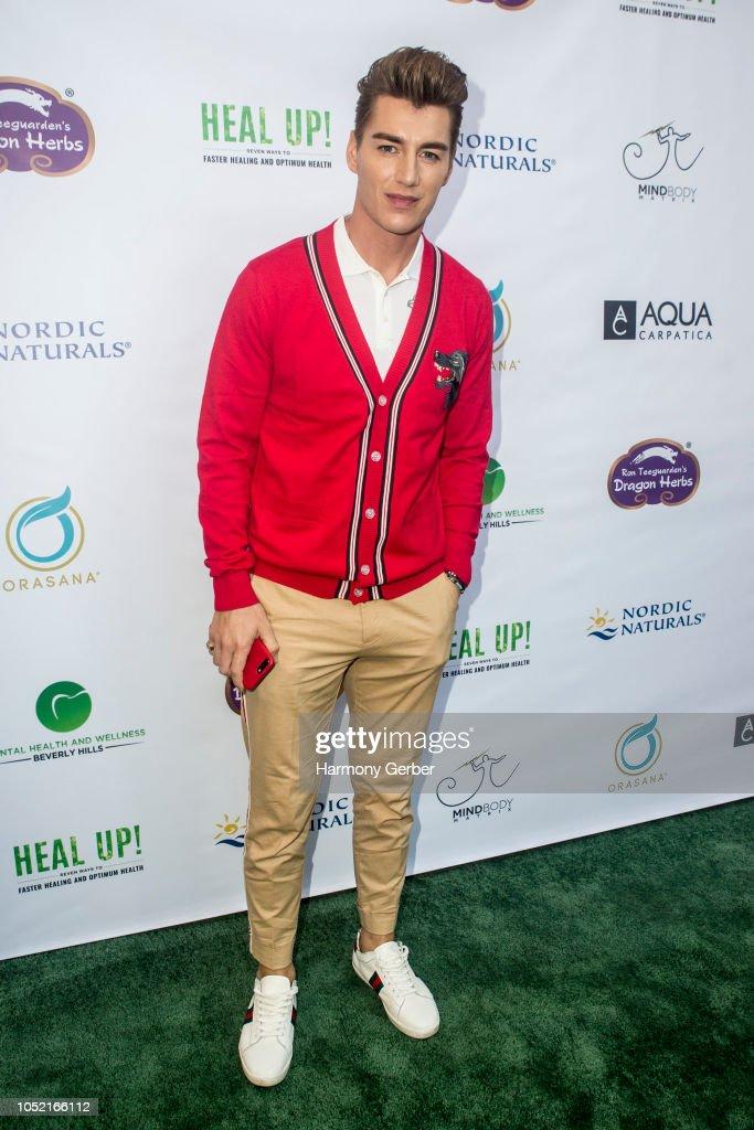 "Beverly Hills' Famed Periodontist Dr. Sanda Moldovan Hosts ""Go Green"" Soiree : News Photo"