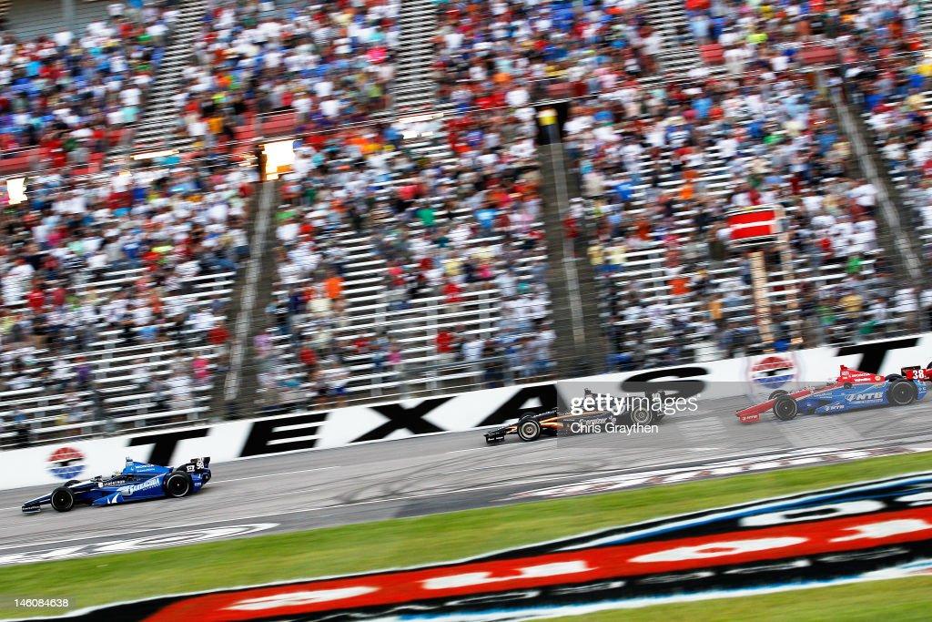 IZOD IndyCar Series Firestone 500 : News Photo