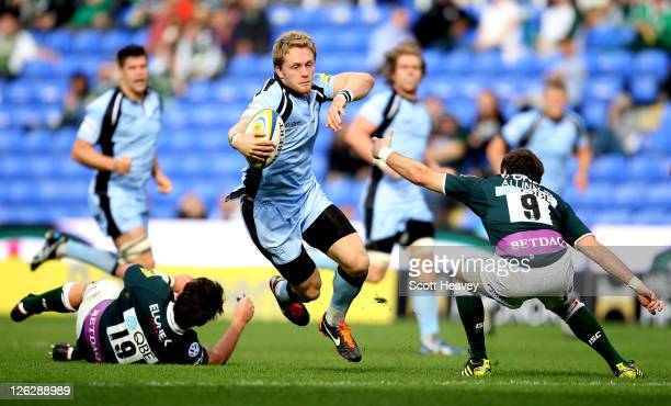 Alex Tait of Newcastle in action during the AVIVA Premiership match between London Irish and Newcastle Falcons at Madejski Stadium on September 24...