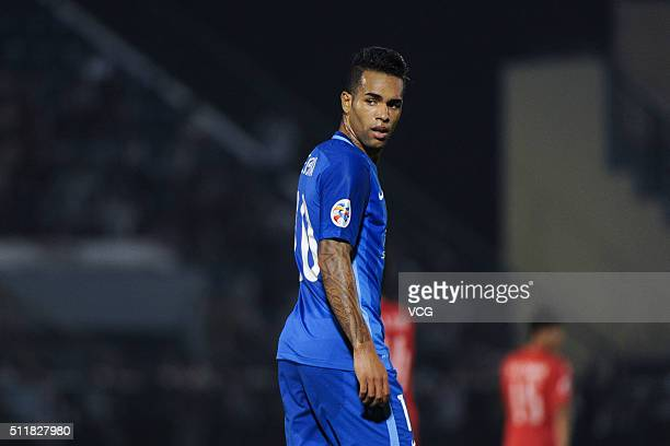 Alex Teixeira Jiangsu Suning reacts after the AFC Champions League Group E match between Becamex Binh Duong and Jiangsu Suning at Binh Duong Stadium...