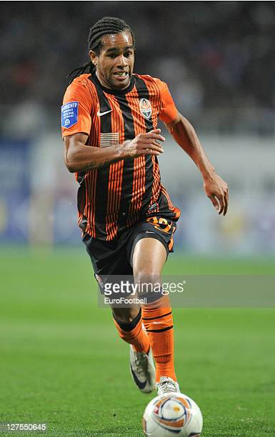 Alex Teixeira of FC Shakhtar Donetsk in action during the Ukrainian Premier League match between FC Dynamo Kyiv and FC Shakhtar Donetsk on September...