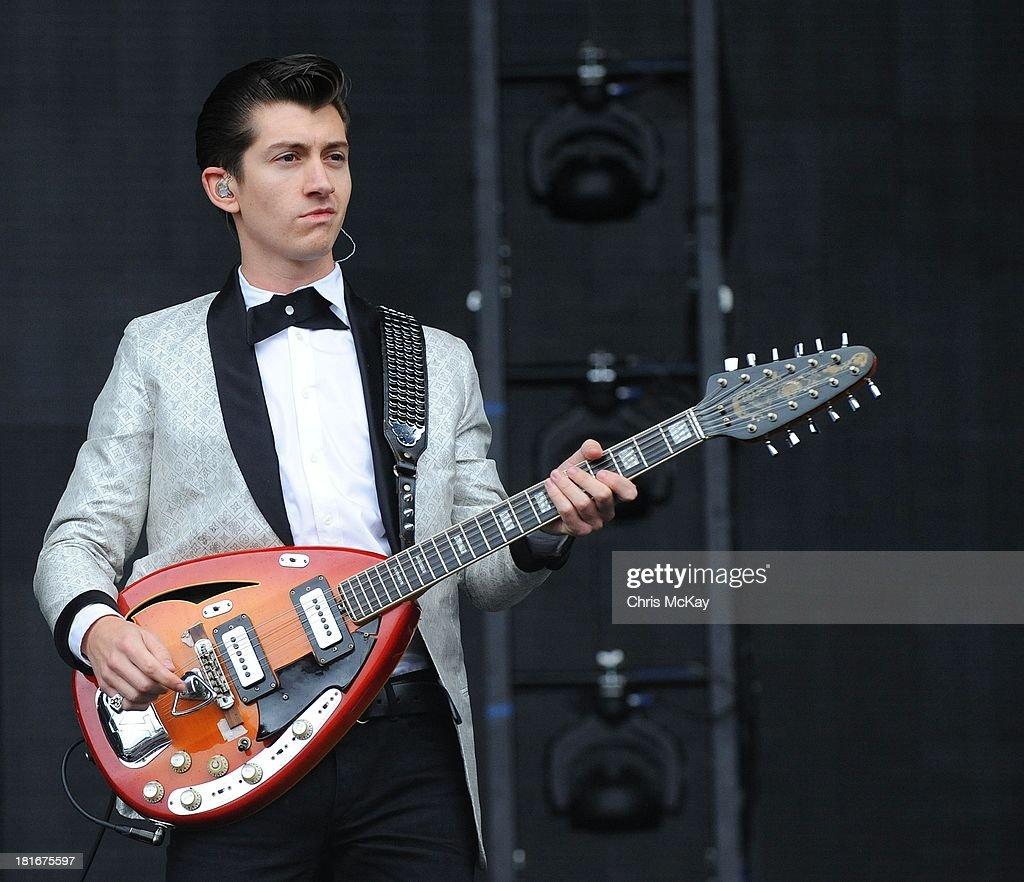 Alex Turner Arctic Monkeys 2013