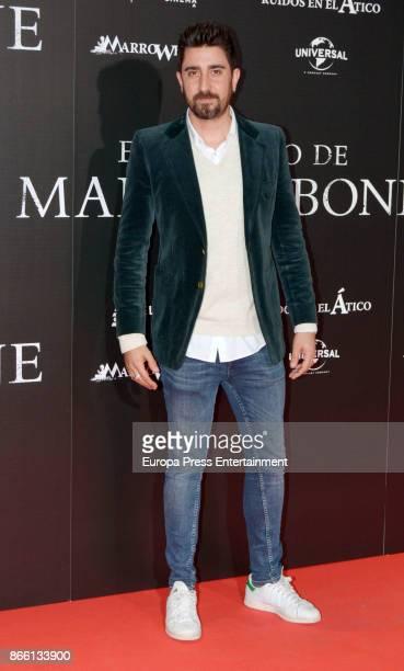 Alex Ubago attends the premier of 'El Secreto de Marrowbone' at Capitol cinema on October 24 2017 in Madrid Spain