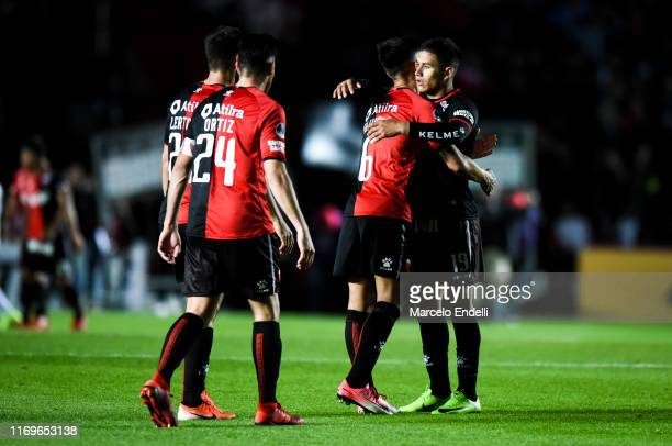Alex Vigo of Colon celebrates with teammates after winning the first leg semifinal of Copa CONMEBOL Sudamericana 2019 between Colon and Atletico MG...