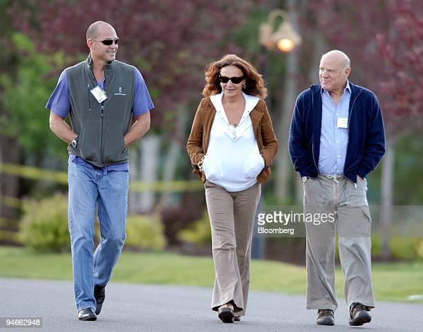 Alex von Furstenberg left executive portfolio manager of Arrow Capital Management LLP Diane von Furstenberg center chairman and founder of Diane von...