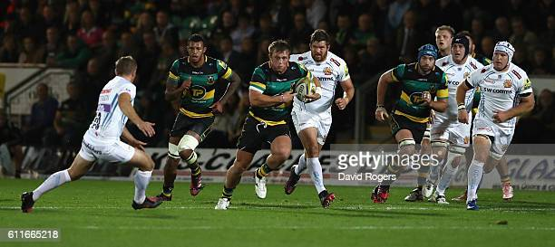 Alex Waller of Northampton breaks with the ball during the Aviva Premiership match between Northampton Saints and Exeter Chiefs at Franklin's Gardens...
