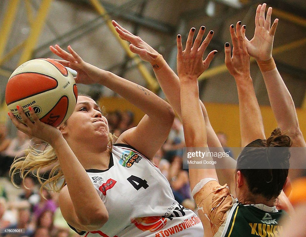 WNBL Preliminary Final - Dandenong v Townsville : News Photo