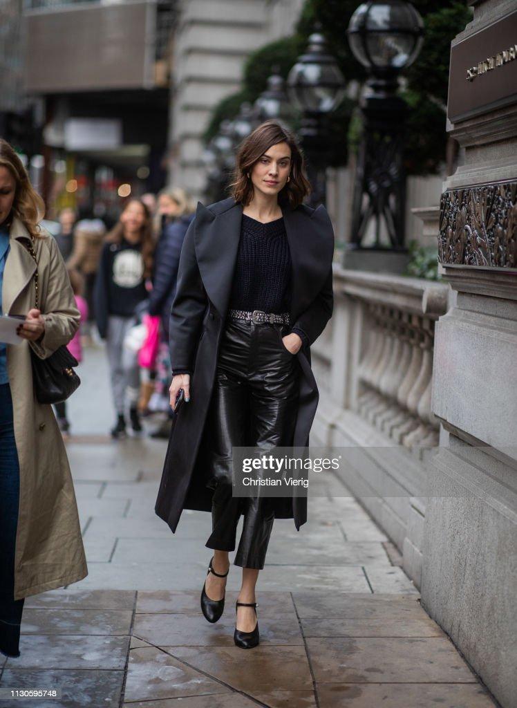 Street Style - LFW February 2019 : Fotografía de noticias