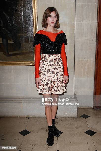 Alexa Chung attends Christian Dior showcases its spring summer 2017 cruise collection at Blenheim Palace on May 31 2016 in Woodstock England