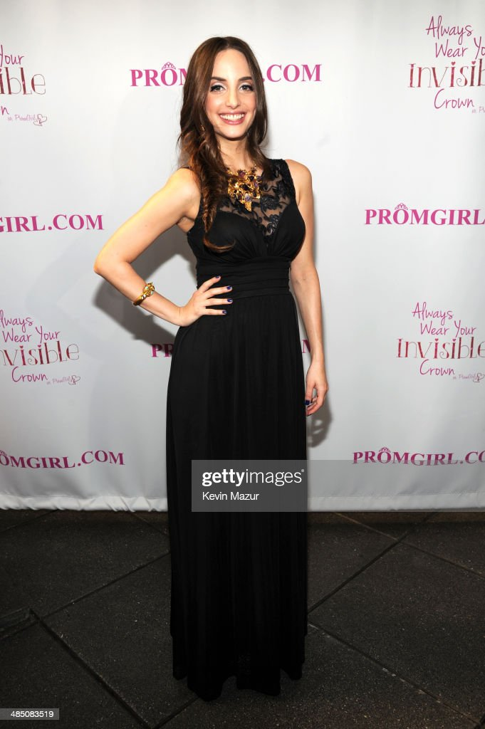 04175ce17ed Alexa Ray Joel Partners With PromGirl.com to Launch  PromGirlUp Selfie  Campaign   News