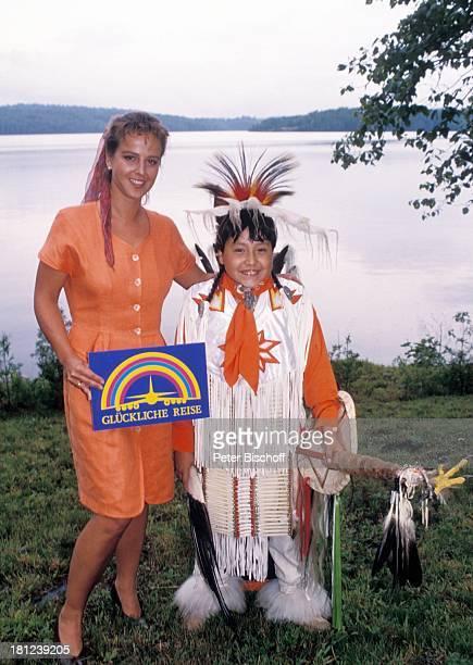 """Alexa Wiegandt, Indianerjunge, , PRO 7 - Serie """"Glueckliche Reise"""", Folge 12, """"Kanada"""", Episode 1 """"Die ungleichen Brueder"""", , Kanada/Amerika, See,..."""