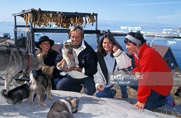 Alexa Wiegandt Thomas Fritsch Christiane Carstens Conny Glogger neben den Dreharbeiten zur PRO 7 Serie 'Glueckliche Reise ' Folge 21 'Groenland'...