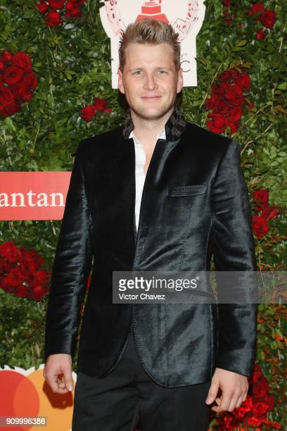 Alexander Acha attends the Latin Grammy Acoustic Session Mexico at El Lago restaurant on January 24, 2018 in Mexico City, Mexico.