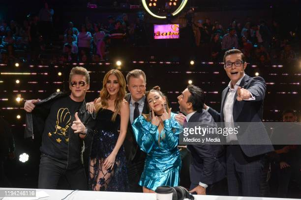 Alexander Acha Cynthia Rodriguez Arturo Lopez Gavito Danna Paola Adal Ramones and Horacio Villalobos pose for photos during the sixth concert of La...