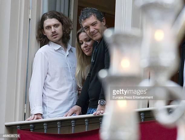 Alexander Bauer Nicole Kimpel and Antonio Banderas attend Holy procession during Holy Week celebration on March 31 2015 in Malaga Spain